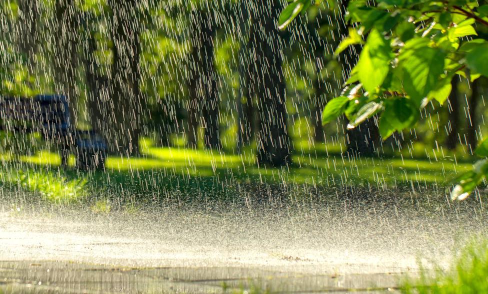 La AEMET espera fuertes precipitaciones en el sureste peninsular y Baleares este domingo