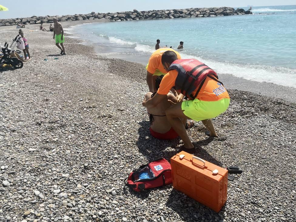 Dos minutos de rescate en el simulacro de la playa de Almassora