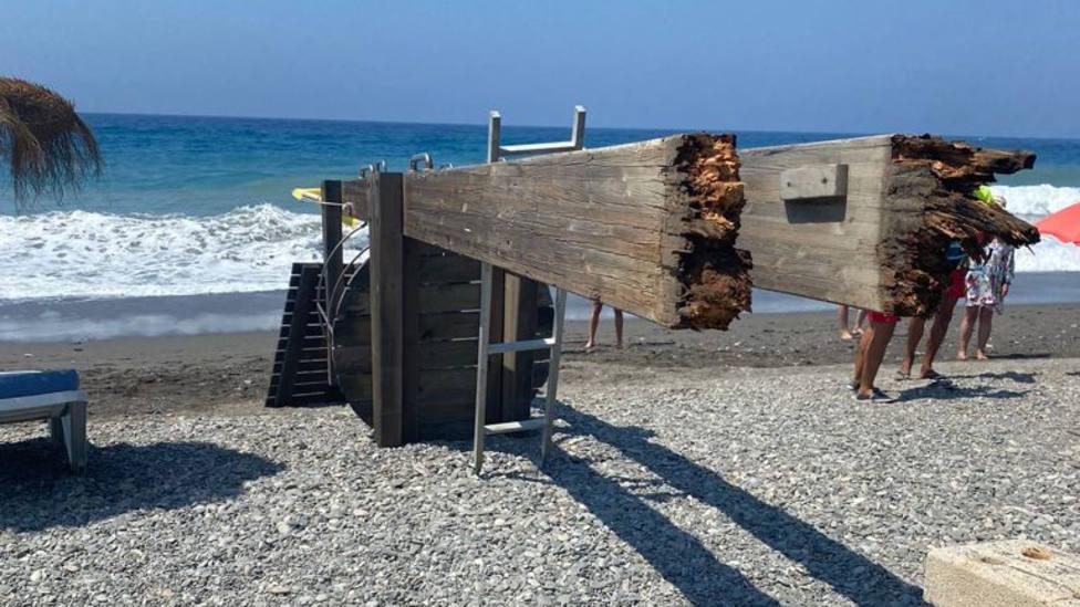 IU reclama al Ayuntamiento de Motril que mejore el mantenimiento de las instalaciones de la playa