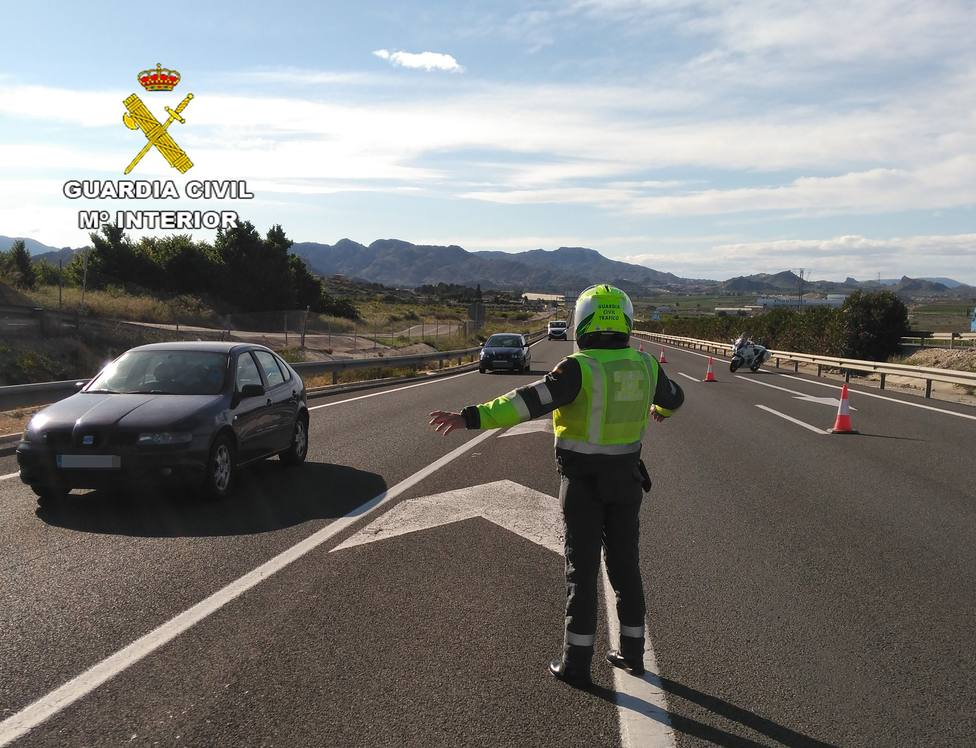 ctv-mbp-guardia-civil-control-carreteras