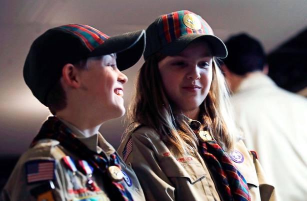 girl y boy scout