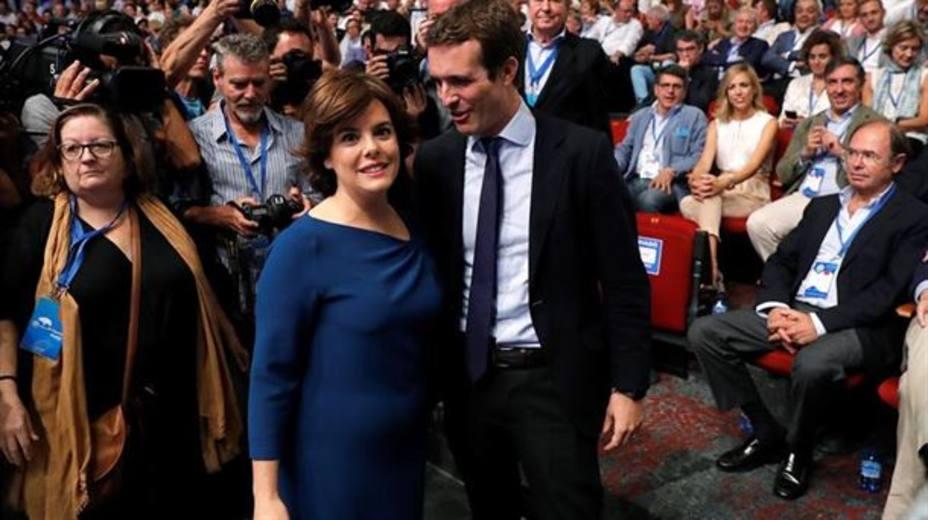 Santamaría planta a Casado en su primera reunión del PP del Congreso