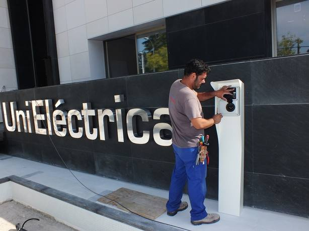 España es el quinto país del mundo con más puntos de recarga de coches eléctricos, según Unieléctrica