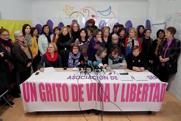 Ni un paso atrás: asociaciones feministas anuncian movilizaciones constantes