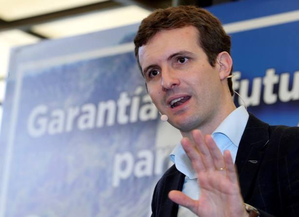 Casado no acepta lecciones y avisa al PSOE que no frenará cambio en Andalucía