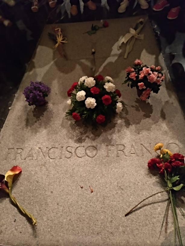 Así ha gestado el Gobierno del PSOE la exhumación de Franco