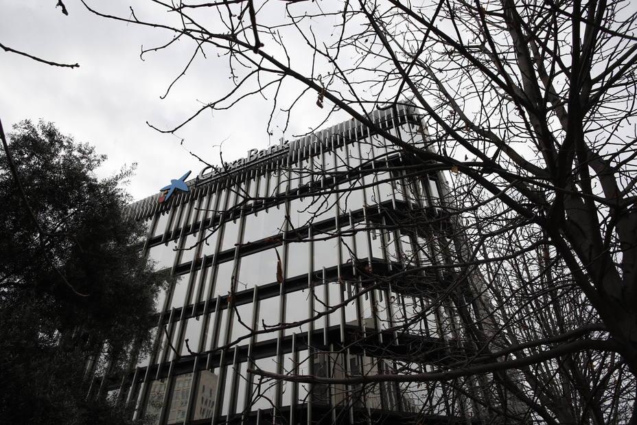 CaixaBank ya cumple con los requerimientos de capital del BCE para 2019, que se mantienen