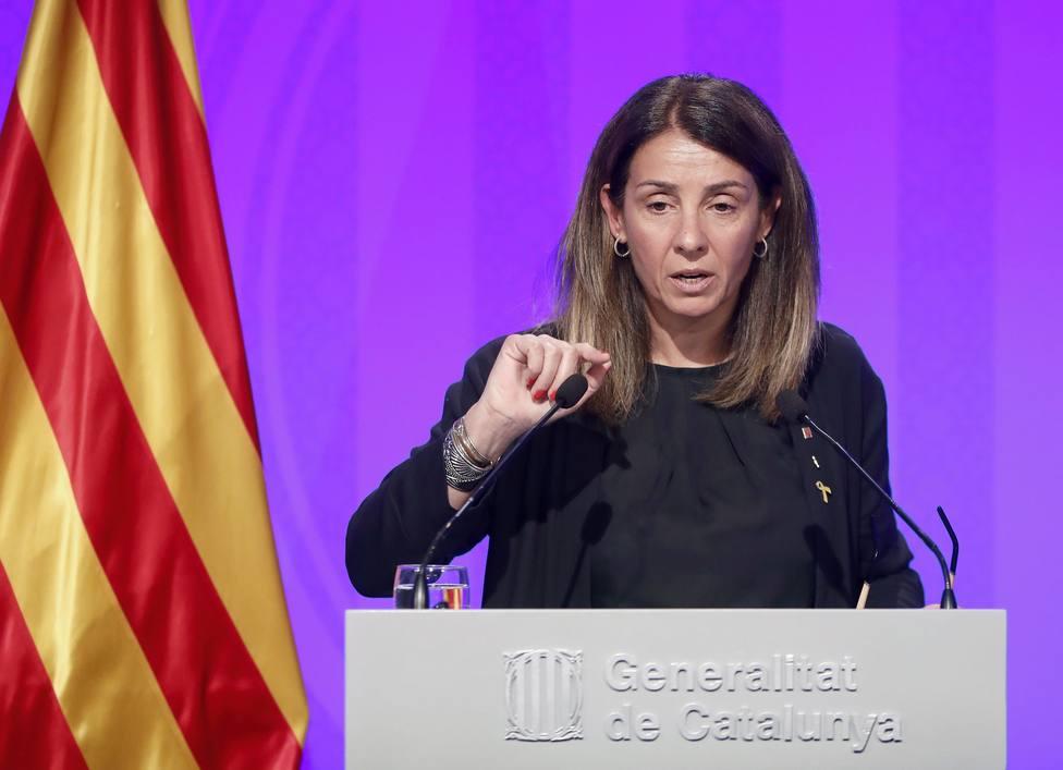 La portavoz del gobierno catalán se niega a responder preguntas en castellano