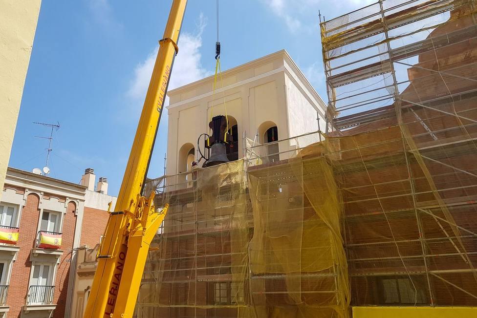 Instalan en Santa María de Gracia las tres campanas restauradas
