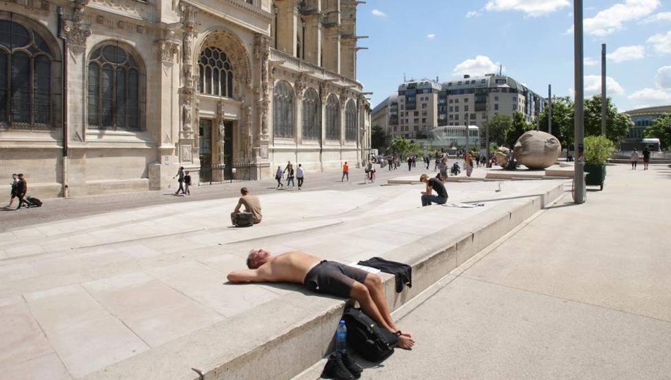Francia reconoce casi 1.500 muertes adicionales por las dos últimas olas de calor