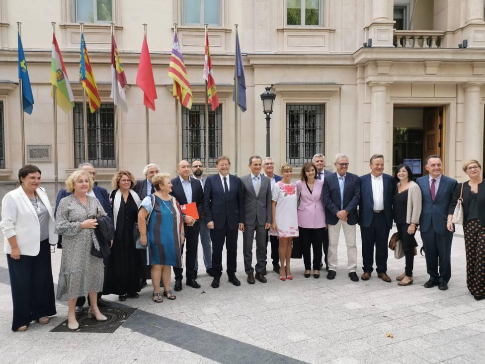 Puig y los parlamentarios valencianos se reúnen con Ábalos y Duque para coordinar la acción del PSPV