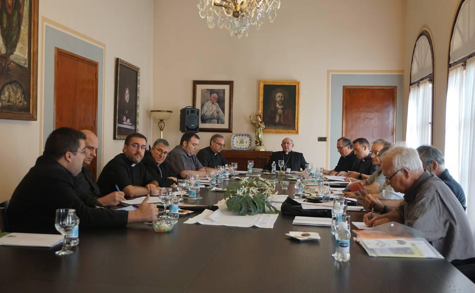 Reunión del obispo con arciprestes
