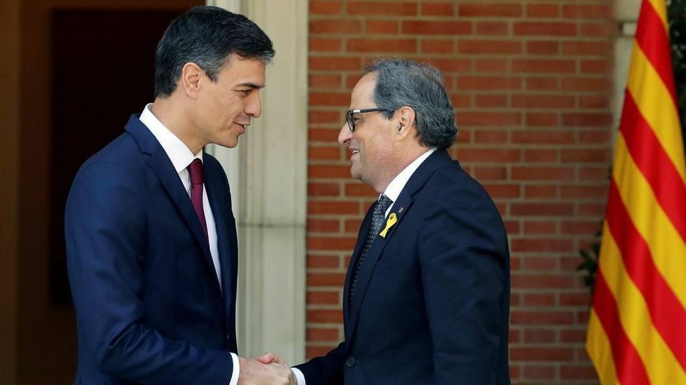 Sánchez cede al chantaje separatista de la bilateralidad: llamar a Torra en su primer acto como presidente
