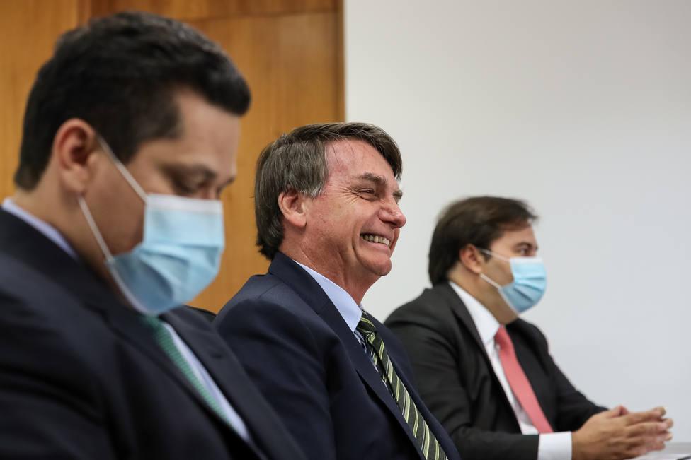 Bolsonaro anuncia la apertura inminente de la economía tras un nuevo récord de muertes en un día