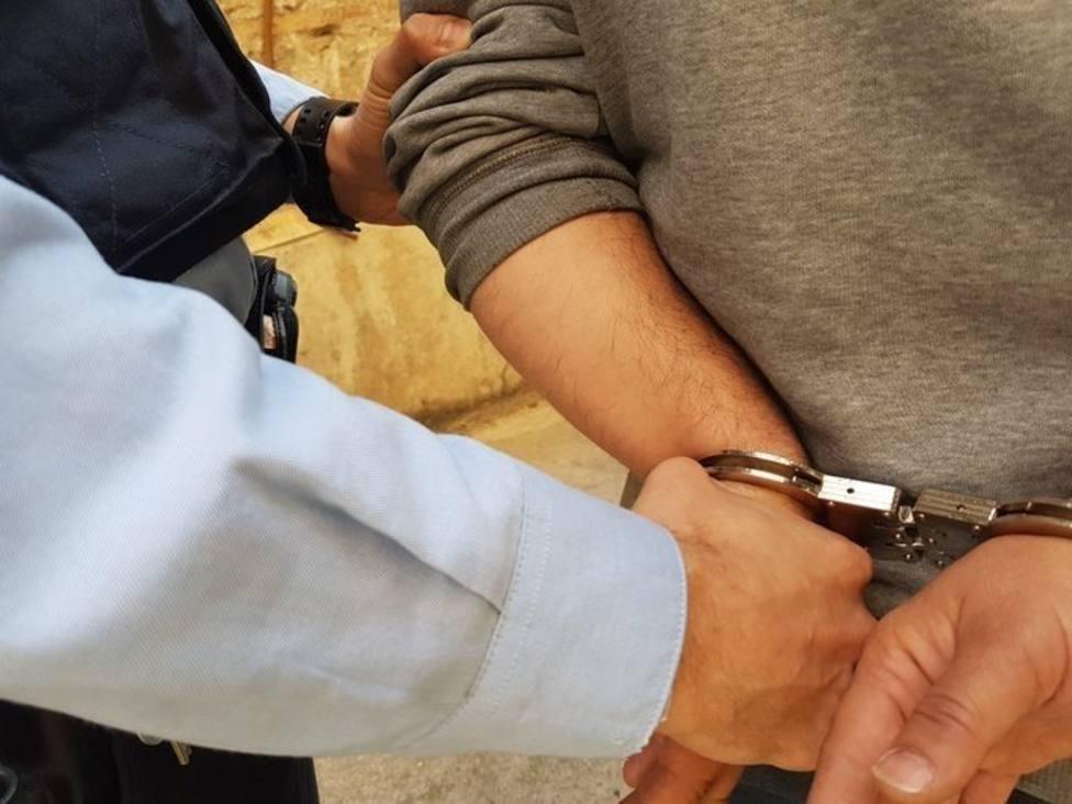 Detienen a un hombre por intento de robo con violencia en una parroquia del Eixample de Barcelona