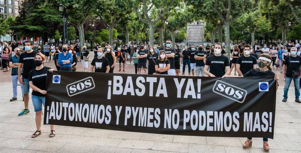 Protesta de propietarios de PYMES y autónomos protestan en La Rioja