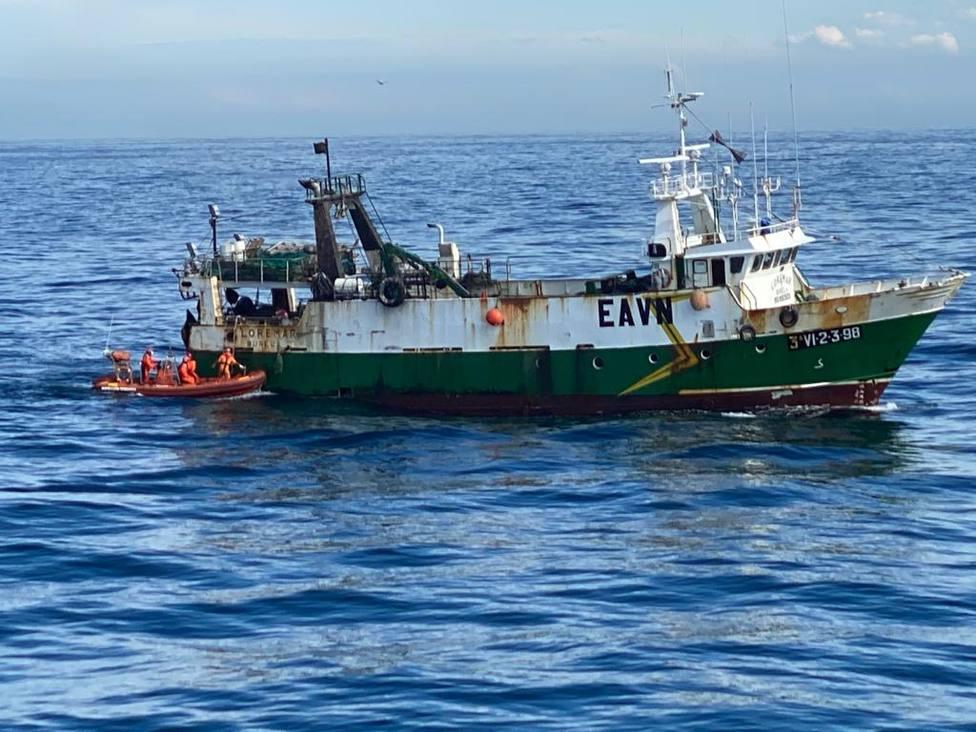 Una de las inspecciones pesqueras realizada por militares durantes este despliegue - FOTO: Armada