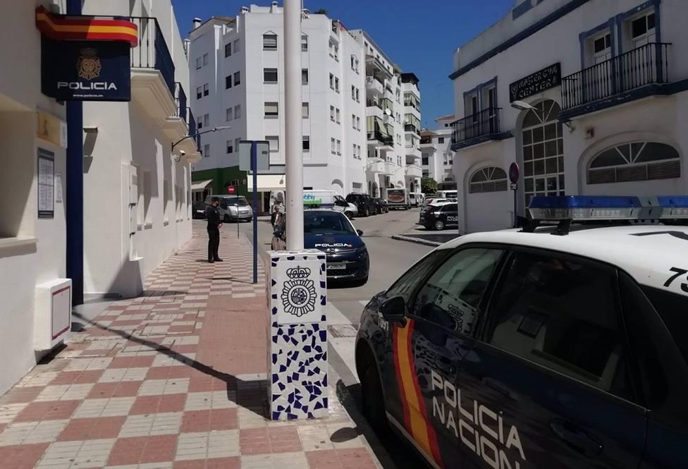 Imagen de la comisaría de la Policía Nacional en Estepona.