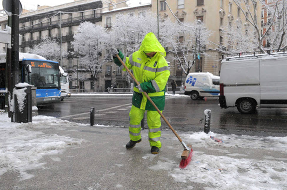 La gran nevada llega a Madrid, preparada para los 20 cm de nieve del sábado
