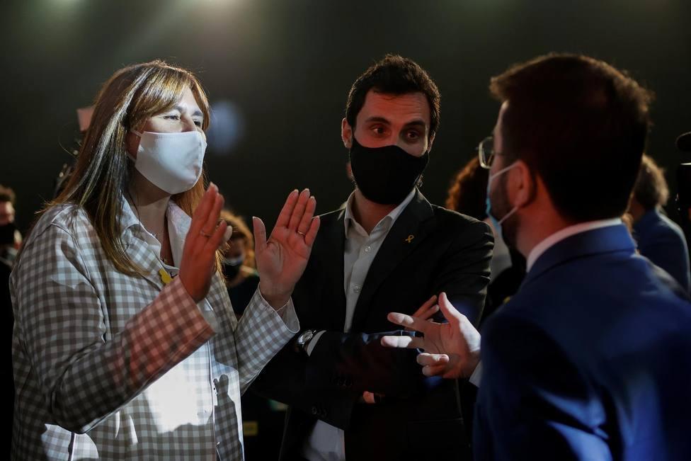 Laura Borrás conversa con Pere Aragonès y Roger Torrent