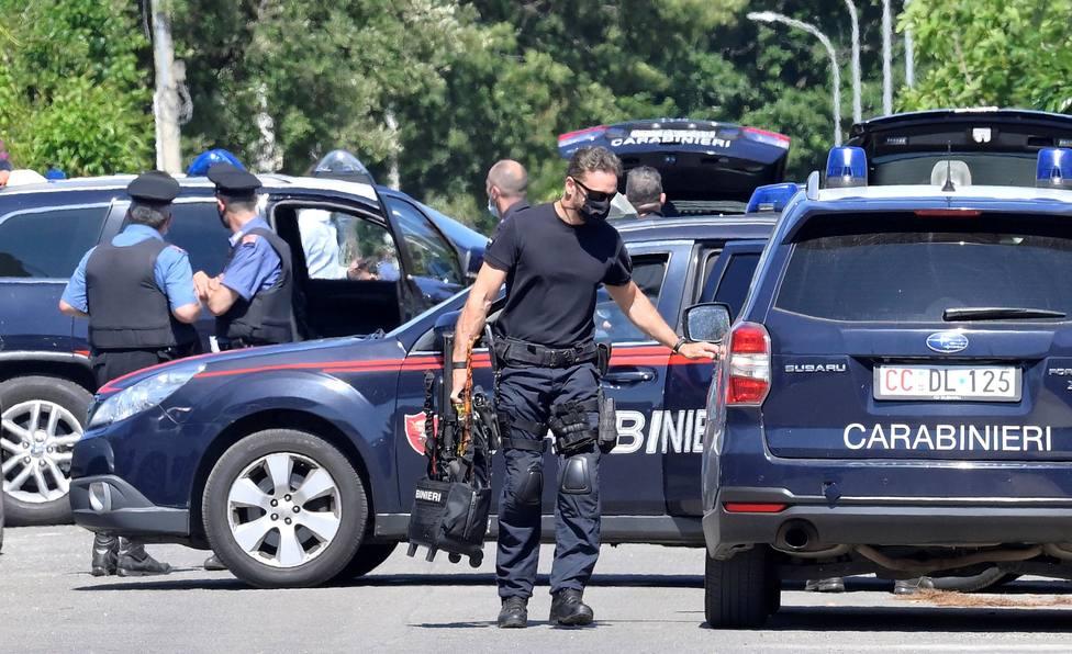 Mata a un anciano y dos niños en las afueras de Roma y después se suicida