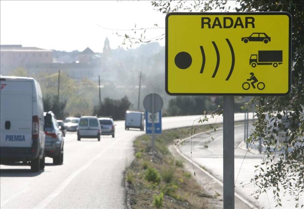 DGT: Así puedes activar los avisos de radares fijos y móviles en Google Maps