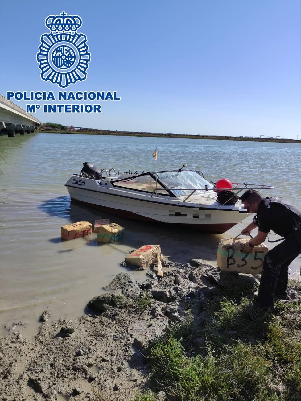 Alijo de hachís en el rio Guadalete (El Puerto de Santa María)