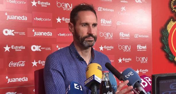 Vicente Moreno, durante la rueda de prensa hoy