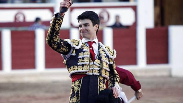 Toñete, en una imagen de archivo, ha paseado la oreja de mayor peso en San Sebastián de los Reyes