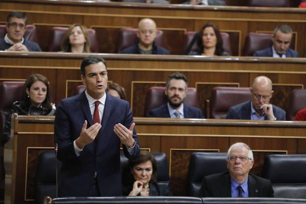 Sánchez anuncia cambios en la ley para que los bancos paguen el impuesto de las hipotecas