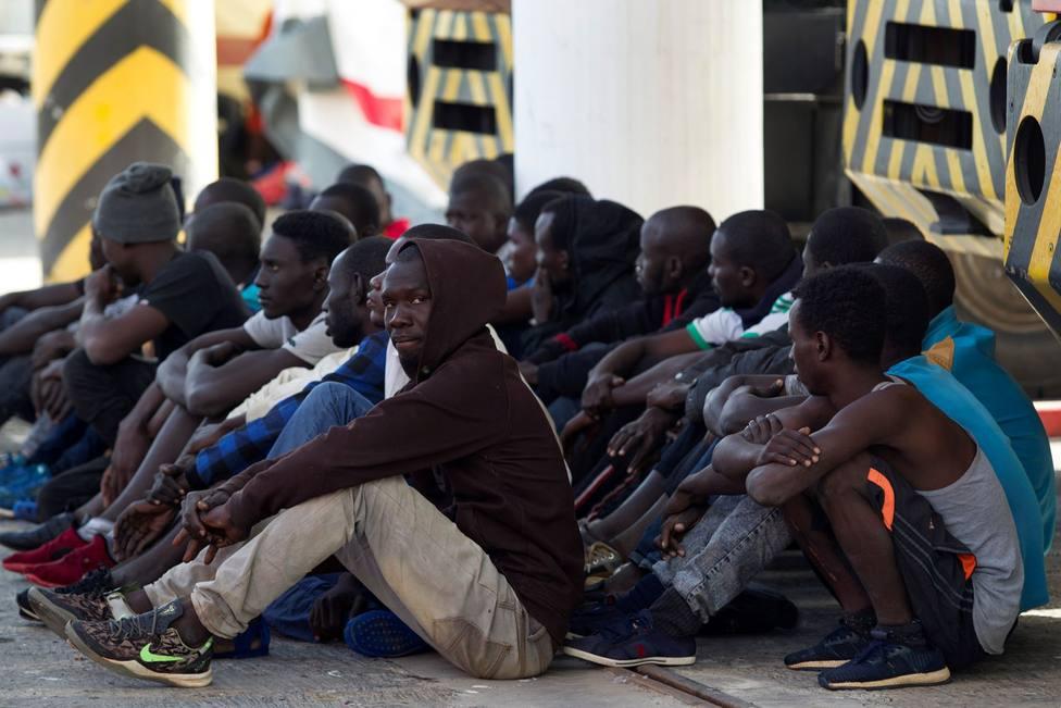 La Marina Real marroquí rescata a 63 migrantes en aguas del mar de Alborán