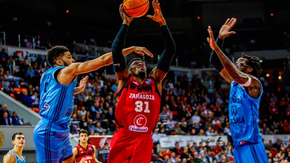 Dylan Ennis, durante el Casademont Zaragoza - Happy Casa Brindis (FIBA Champions League)