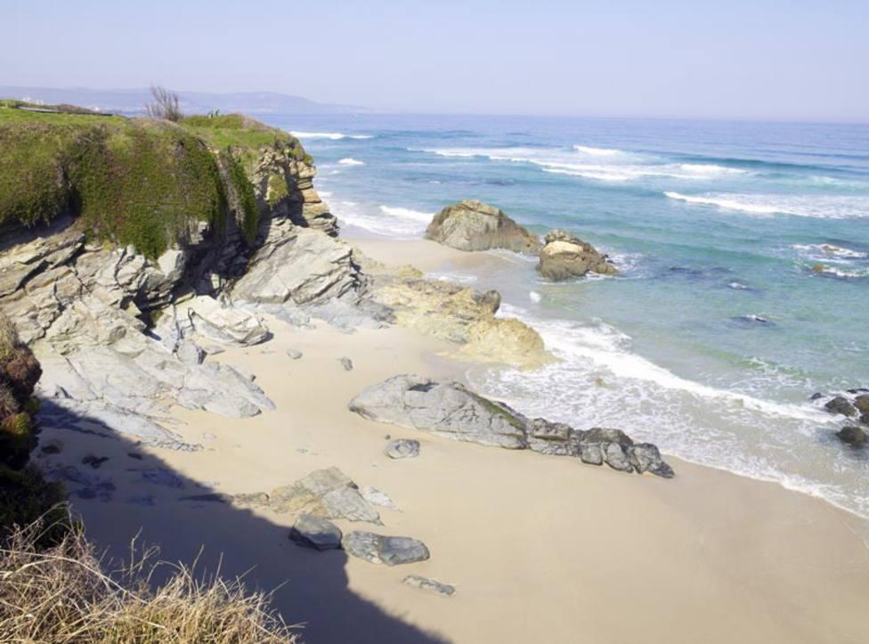 La playa de Oliñas, un gran arenal entre Ribadeo y Foz según el material del proyecto Galicia Surfing