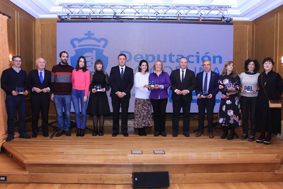 Foto de familia de los galardonados con los Premios PEL 2019 de la Diputación de A Coruña - FOTO: Diputación