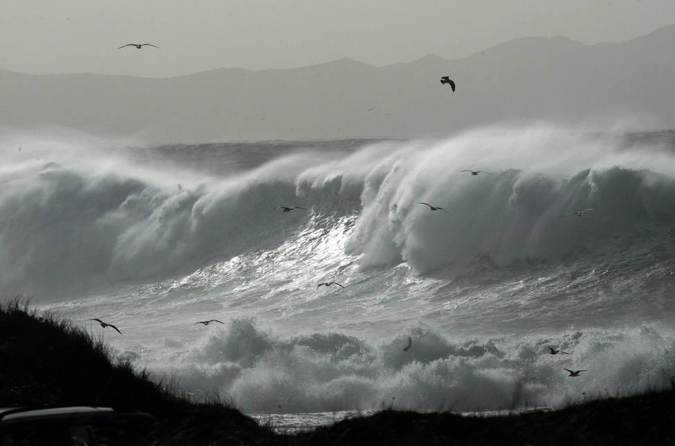 Foto de archivo de un temporal en las costas de Valdoviño - FOTO: Efe / Kiko Delgado