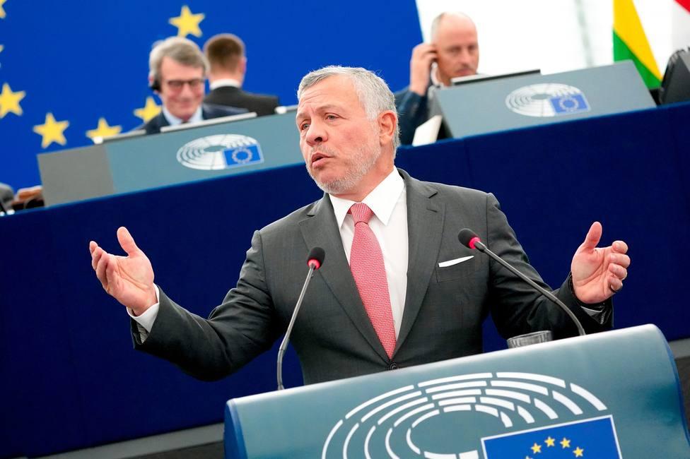 El rey de Jordania advierte en la Eurocámara del riesgo de que el conflicto de Siria se repita en Libia