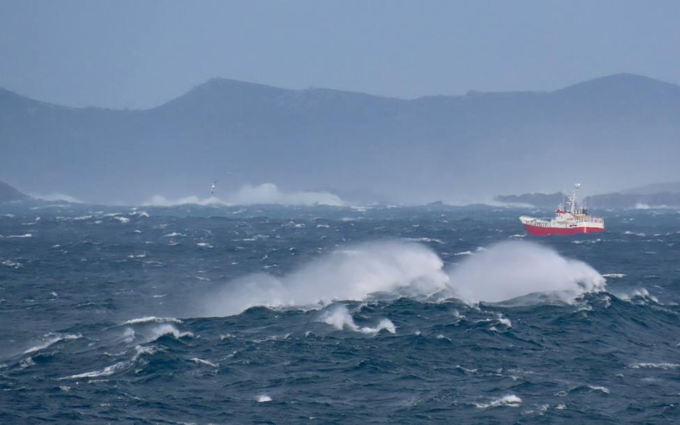El temporal ya lleva unos días afectando a nuestras costas - FOTO: José R. Montero