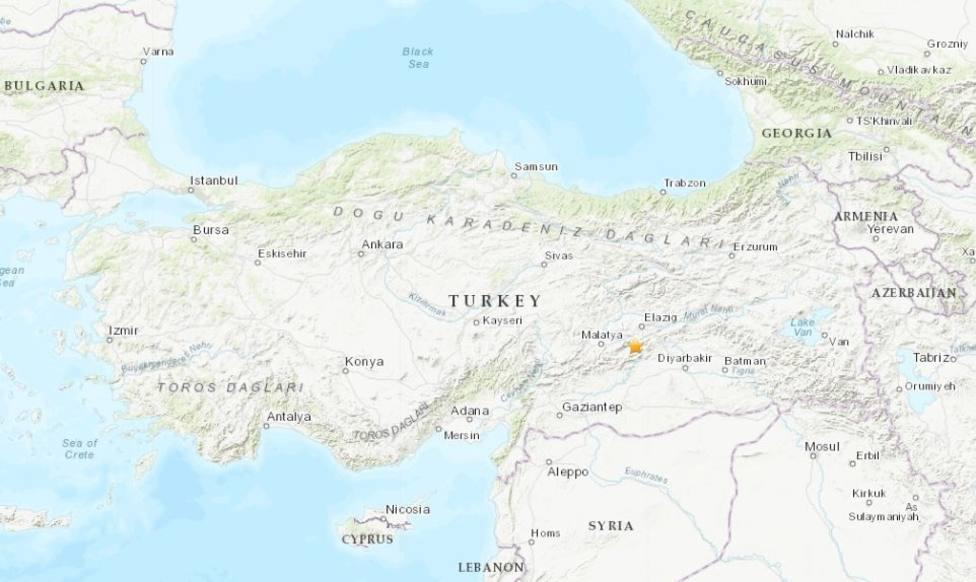 Al menos seis muertos por un terremoto en el este de Turquía