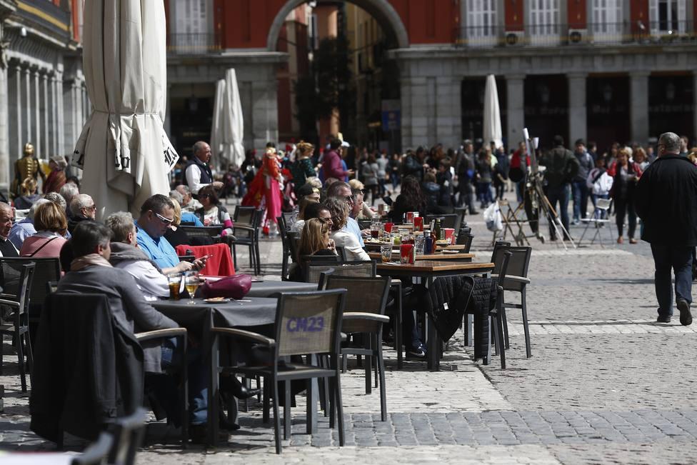 Madrid cerrará todos los establecimientos menos supermercados y ...
