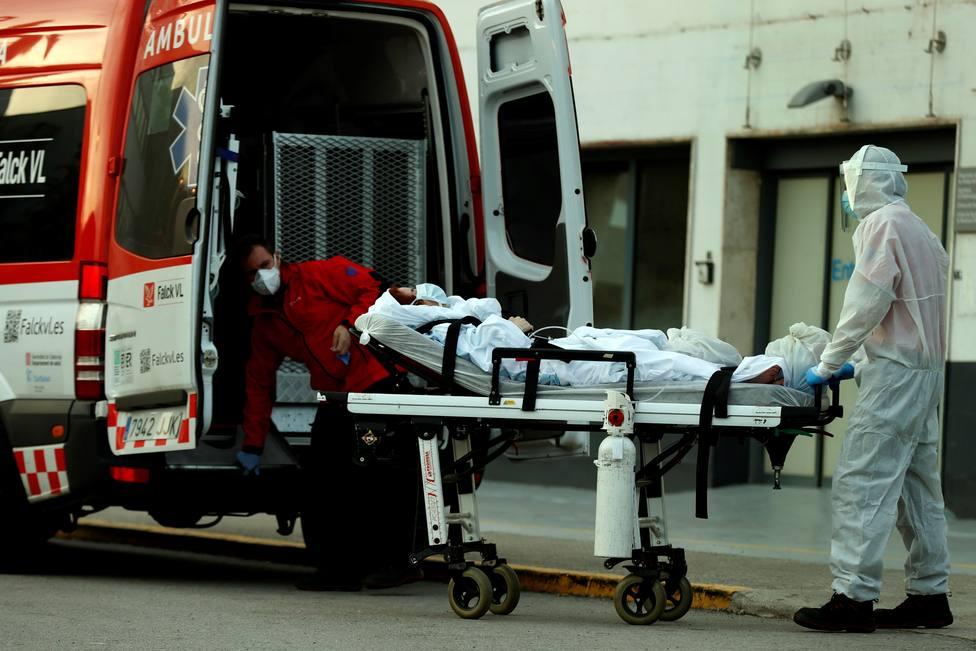 Todos los datos menos los del Gobierno apuntan a que el número real de muertes estaría en torno a las 43.000