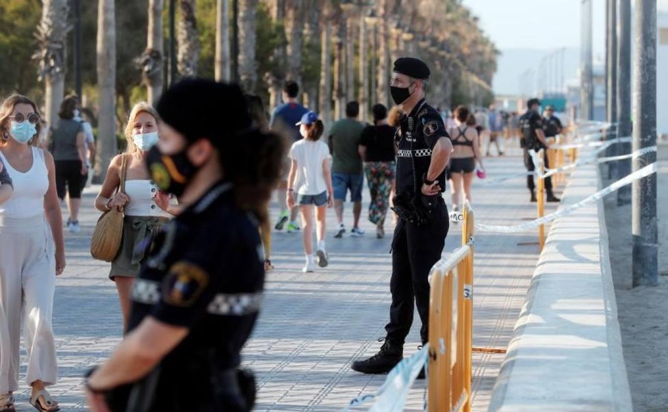Vigilancia policial ante el coronavirus en Valencia