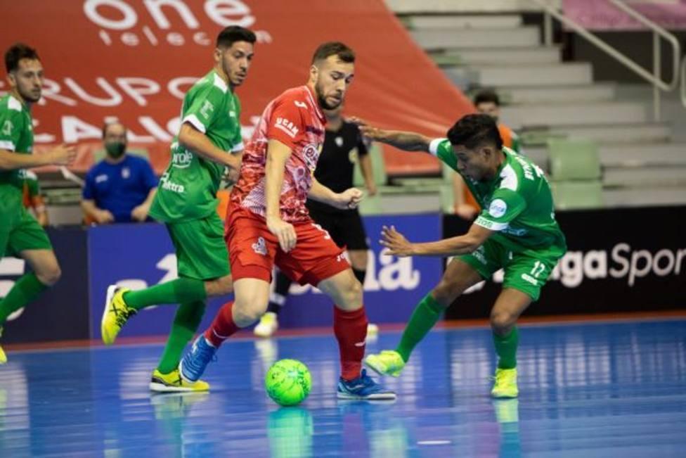 La falta de acierto condena a ElPozo Murcia Costa Cálida frente a Osasuna Magna (2-3)