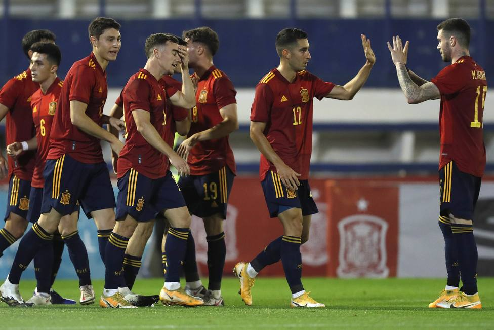La Sub-21 gana a Islas Feroe con goles de Pedrosa y Roberto López