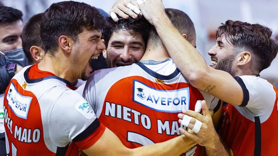 El Huesca arrolla al Frigoríficos; victoria cómoda del Barça en Córdoba