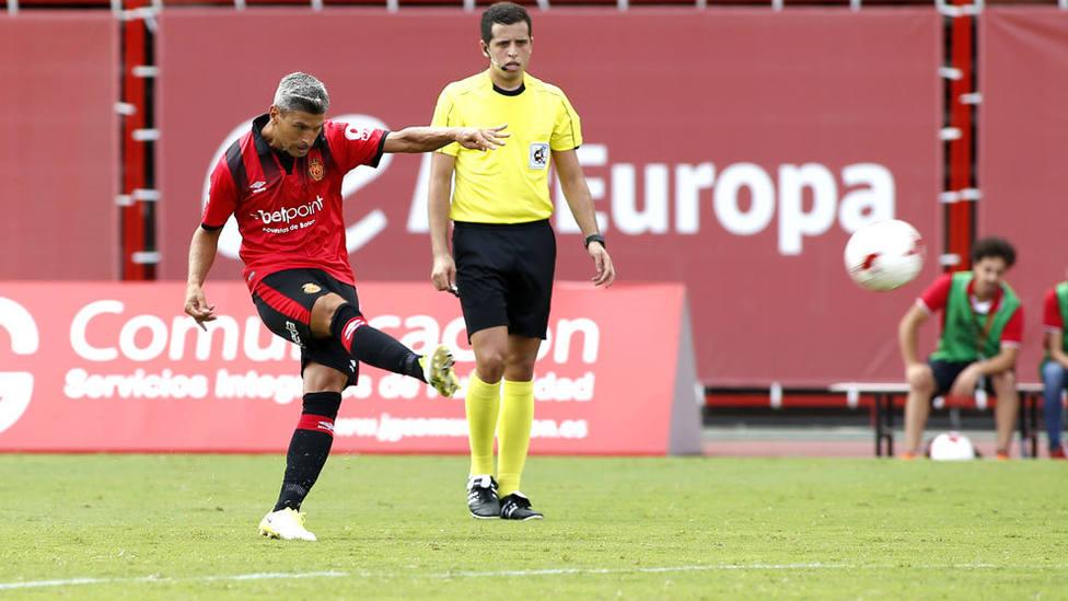 La segunda juventud de Salva Sevilla impulsa al RCD Mallorca
