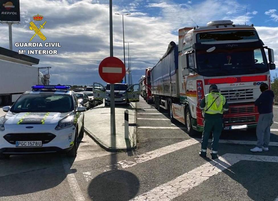Investigan un conductor profesional de Lorca por falsificar presuntamente el Certificado de Aptitud