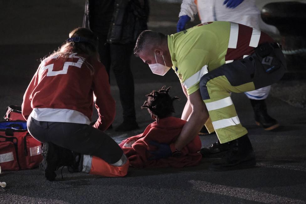 La menor inmigrante sigue en estado crítico en el hospital