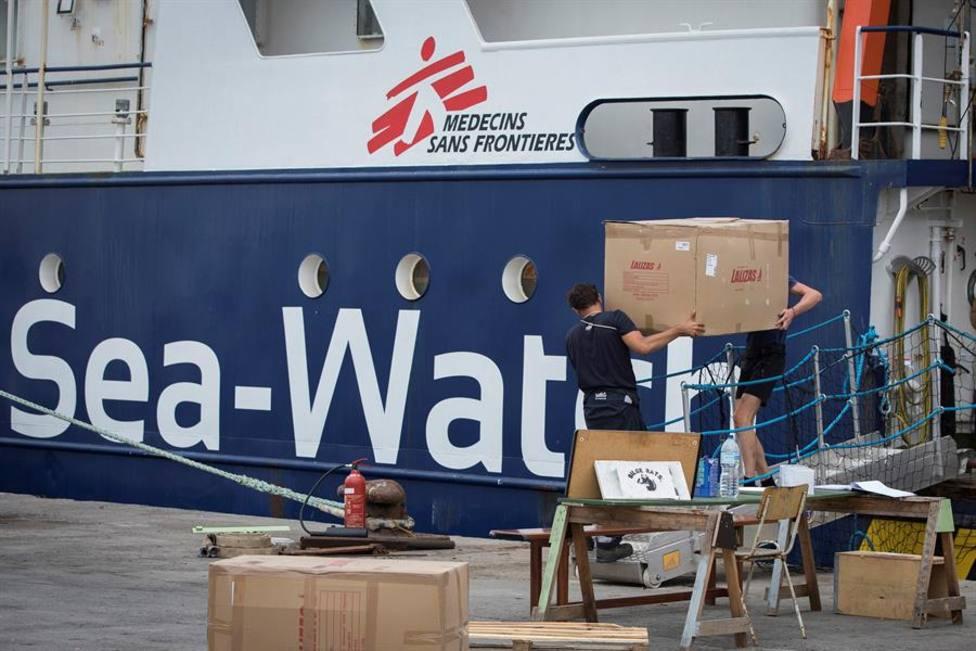 El Sea Watch con 454 migrantes a bordo desembarcará en Trapani tras el permiso de Italia