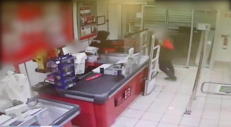 Un hombre ingresa en prisión por tres robos a punta de navaja en el Baix Penedès