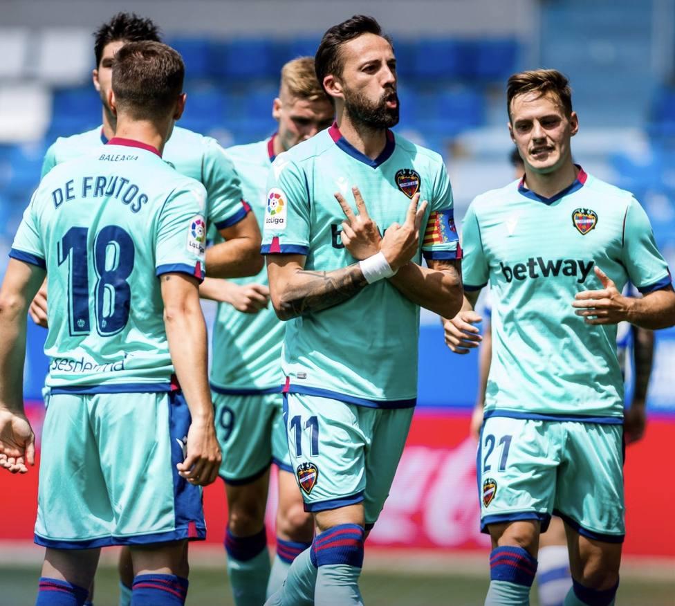 Morales ha marcado los dos goles del Levante UD